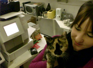 Liz-and-baby-mouse-our-RSPCA-cat